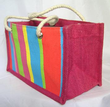 """Подарочная сумка  """"Маленькое лето  """" материал: мешковина крашенная размер."""